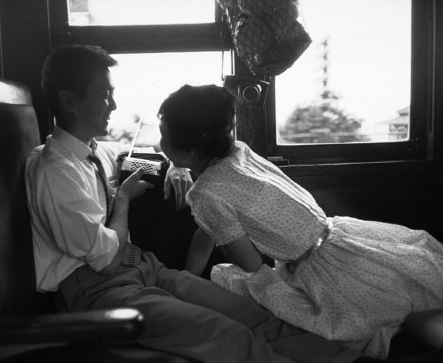 Lovers on a train, Cartier-Bresson, journal of wild culture ©2021.png