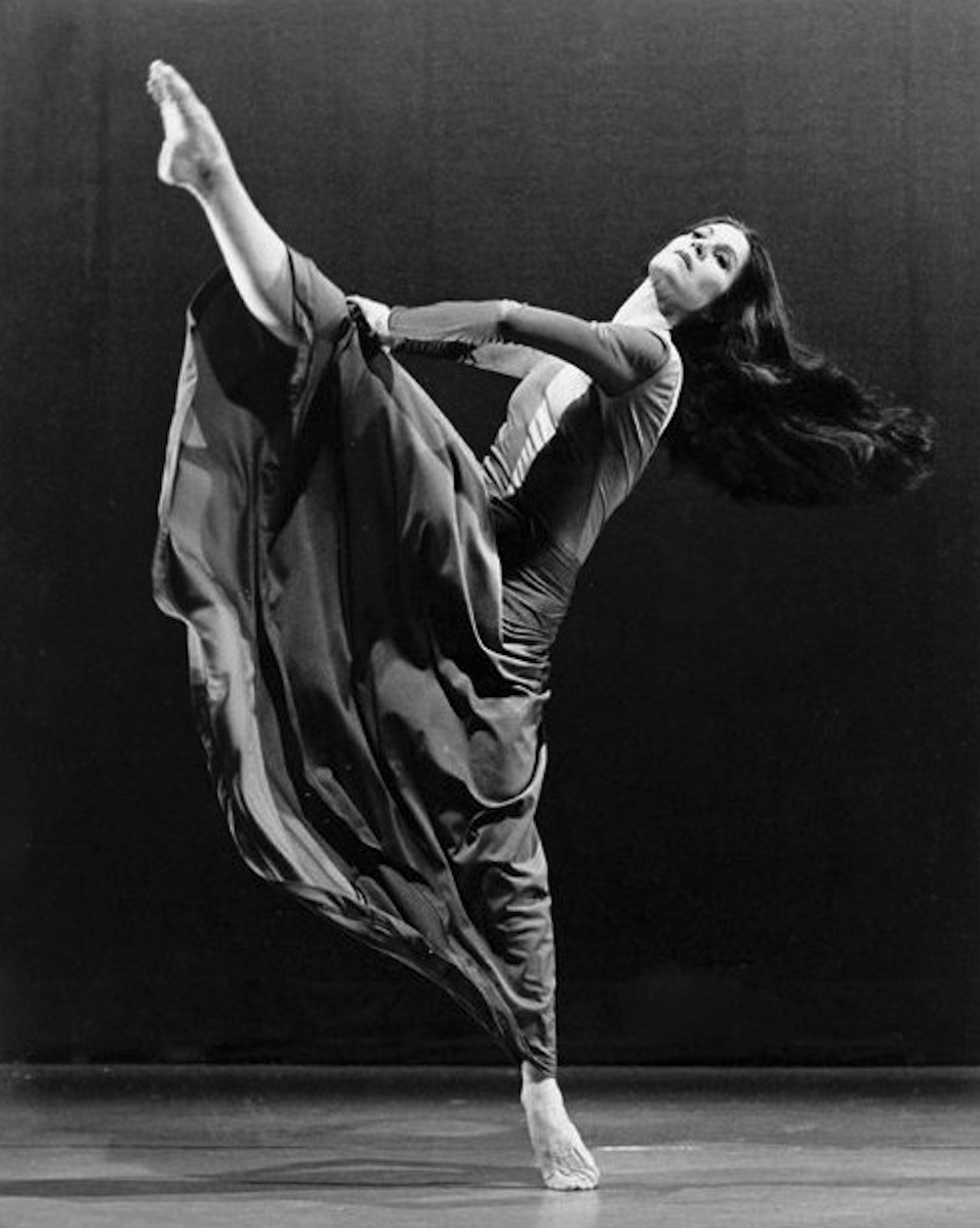 Patricia Beatty dancer, by Andrew Oxenham, journal of wild culture ©2020