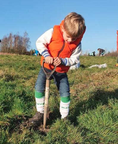Planting trees in Sheffield, journal of wild culture, ©2020